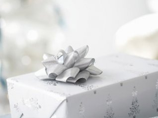 White Christmas Gifts for bb 9800 wallpapers
