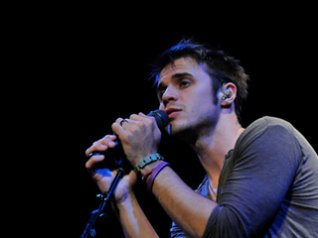 Kris Allen for bb wallpapers