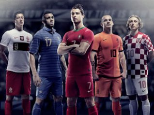 <b>UEFA EURO 2012 desktop wallpaper</b>