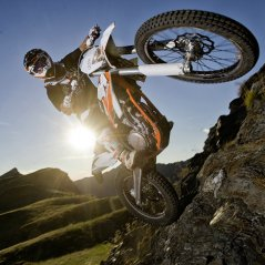 <b>KTM 350 Freeride BB 10 wallpaper</b>