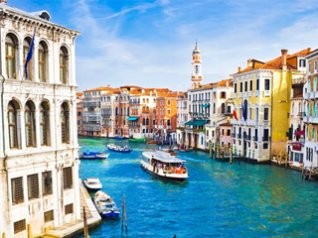 Beautiful Venice Canal BB Wallpaper