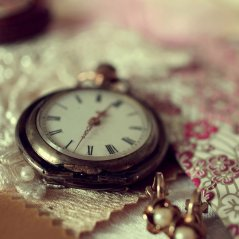 <b>POCKET WATCH wallpaper</b>