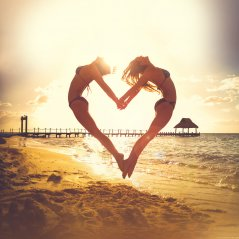 <b>love beach 1440p wallpapers</b>